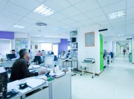 Comienza la redistribución y adscripción de profesionales de las áreas hospitalarias de Granada