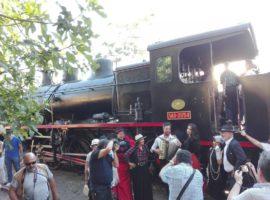 Gran ambiente en el World Wide Photo Walk del sábado con música, la locomotora de vapor y recreaciones históricas